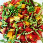 Nektarin och tomatsalsa